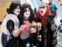 Kiss Trio